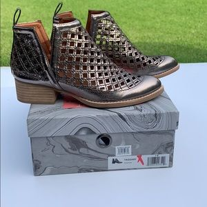 Jeffrey Campbell Taggart Booties In Pewter W Sz 7